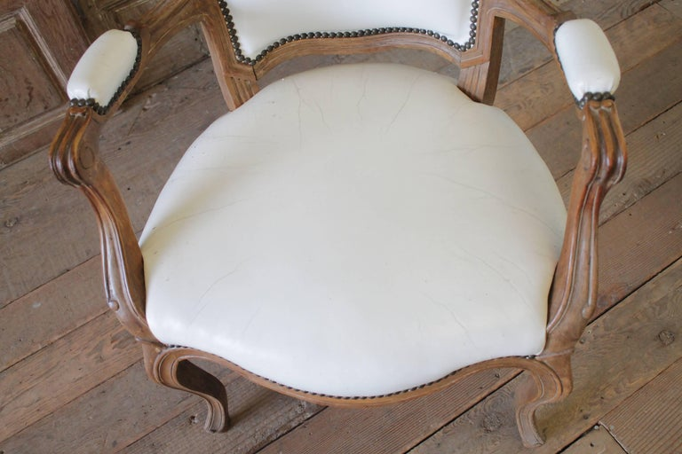 Set of Ten Early 20th Century Louis XV Style Dining Chairs in White Leather For Sale 5