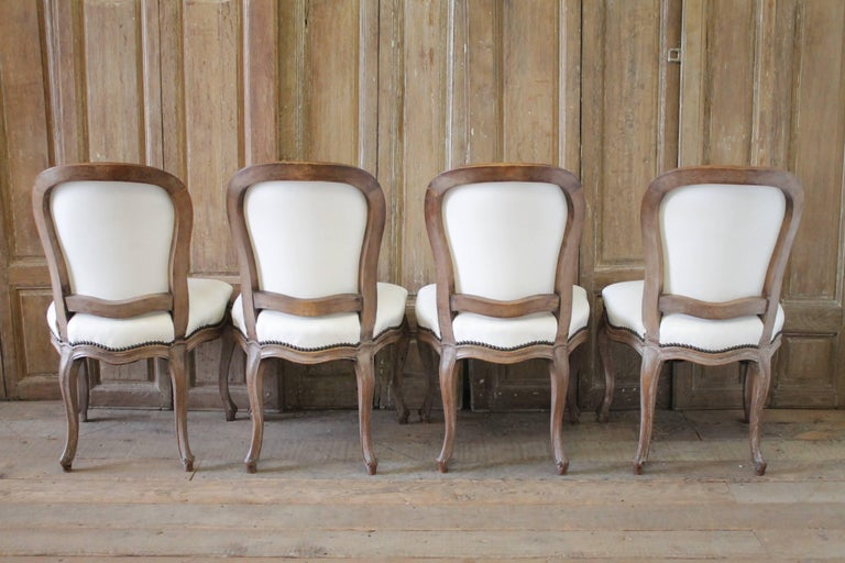 Set of Ten Early 20th Century Louis XV Style Dining Chairs in White Leather For Sale 2