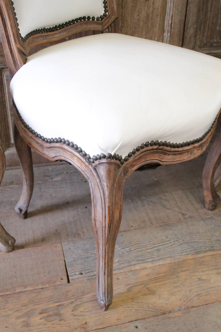 Set of Ten Early 20th Century Louis XV Style Dining Chairs in White Leather For Sale 8