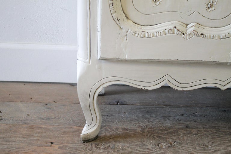 Early 19th Century Petite Painted Country French Cupboard In Good Condition For Sale In Brea, CA