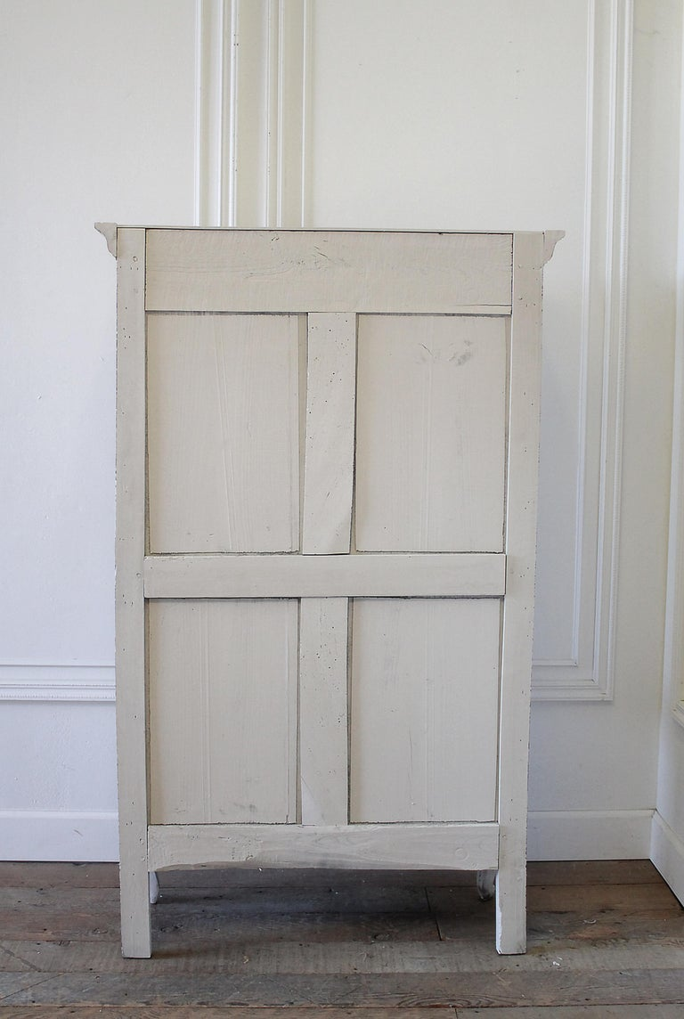 Early 19th Century Petite Painted Country French Cupboard For Sale 8