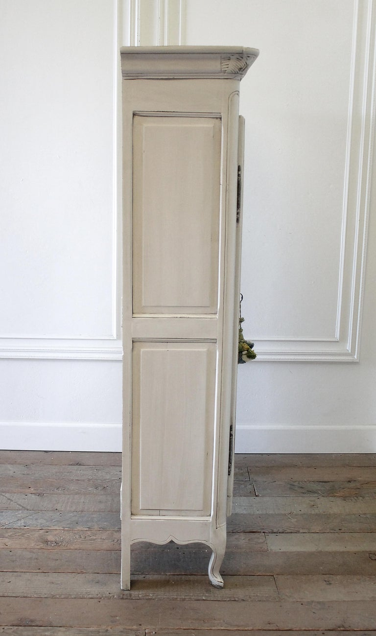 Early 19th Century Petite Painted Country French Cupboard For Sale 9