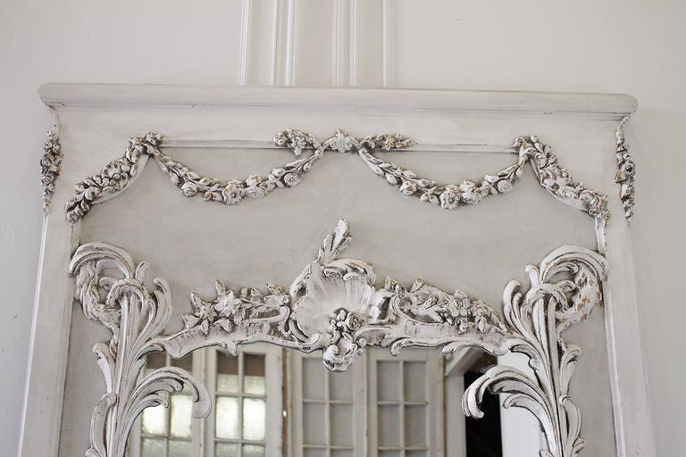 Pair of Vintage French Style Painted Trumeau Mirrors with Rose Swags For Sale 2