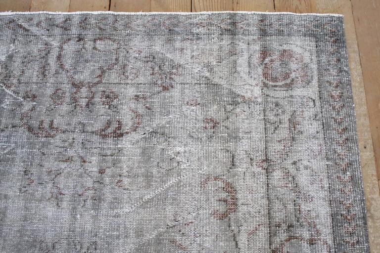 Vintage Turkish Hand Knotted Wool Rug In Good Condition For Sale In Brea, CA