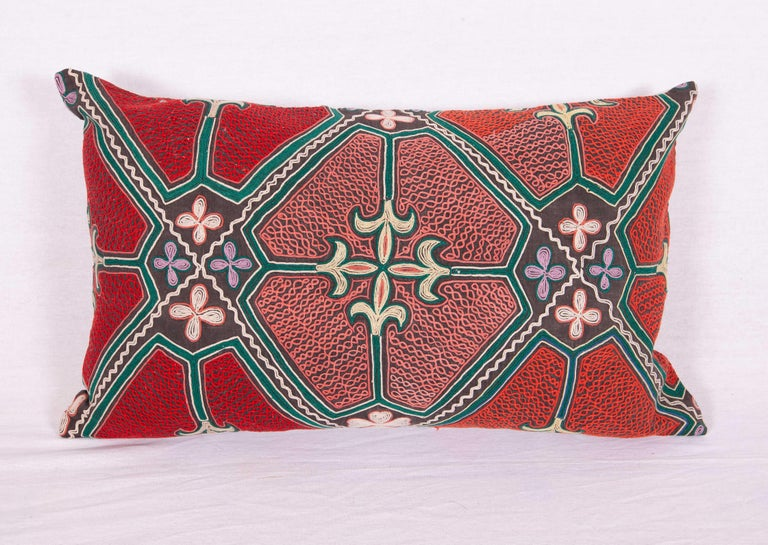 Pillow / Cushion Covers Fashioned from a Midcentury Kyrgyz Tush Kiz Embroidery In Good Condition For Sale In Istanbul, TR