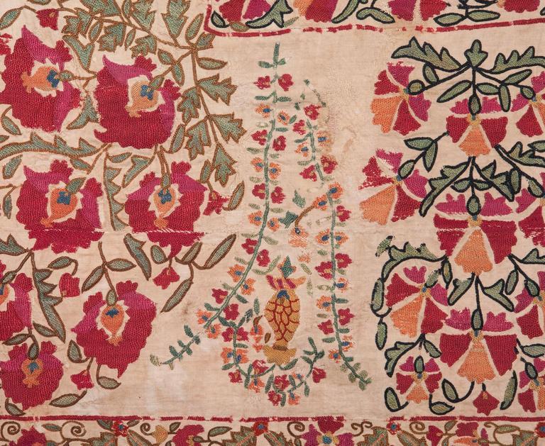 19th Century Antique Uzbek Nurata Suzani In Good Condition For Sale In Istanbul, TR