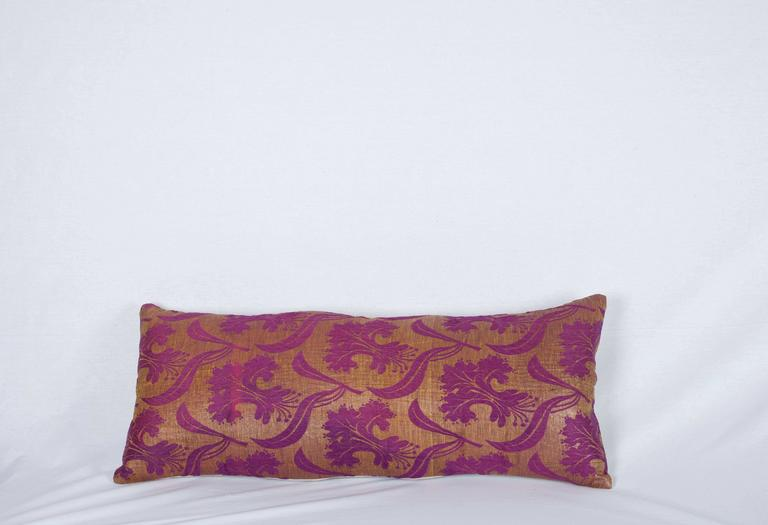 The pillow is made out of a late 19th ottoman Turkish silk brocade.