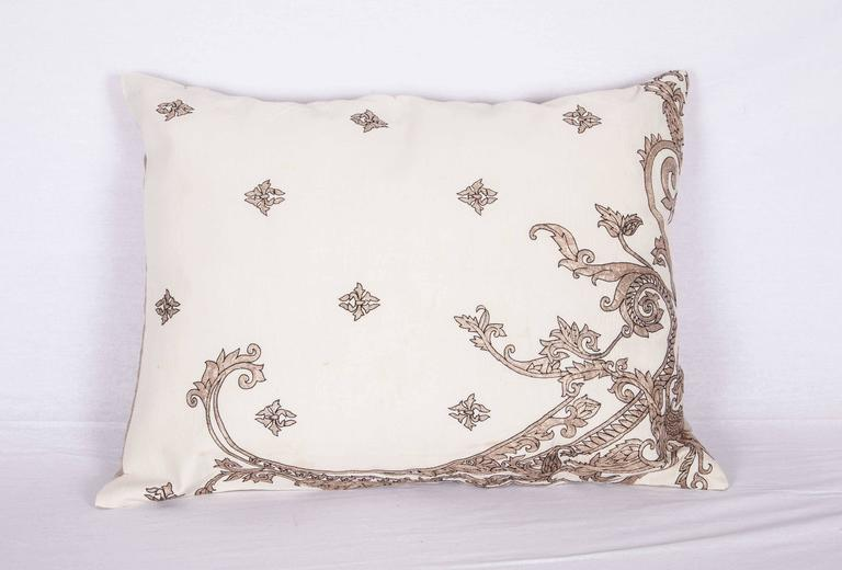 Antique Pillow Made Out of a 19th century or Earlier European Silver Embroidery In Good Condition For Sale In Istanbul, TR