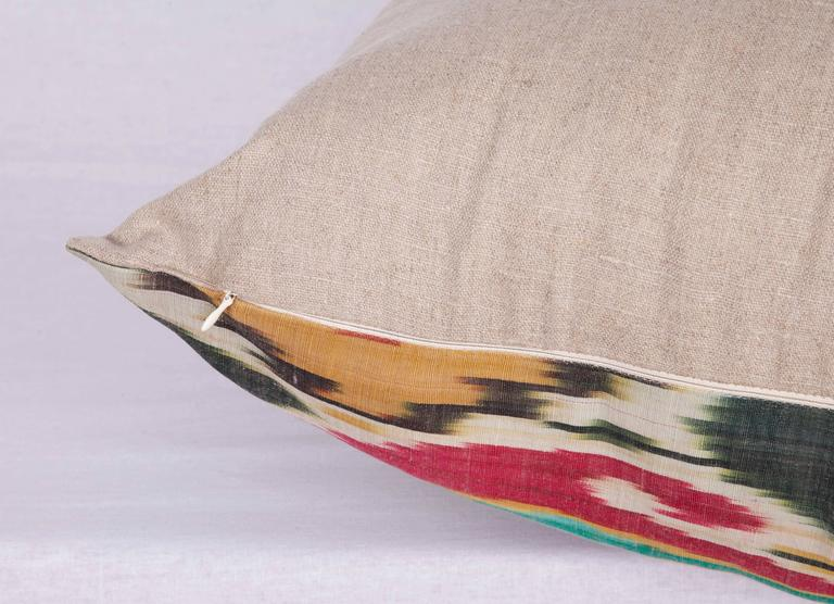 Antique Pillow Made Out of a 19th Century Uzbek Ikat In Good Condition For Sale In Istanbul, TR