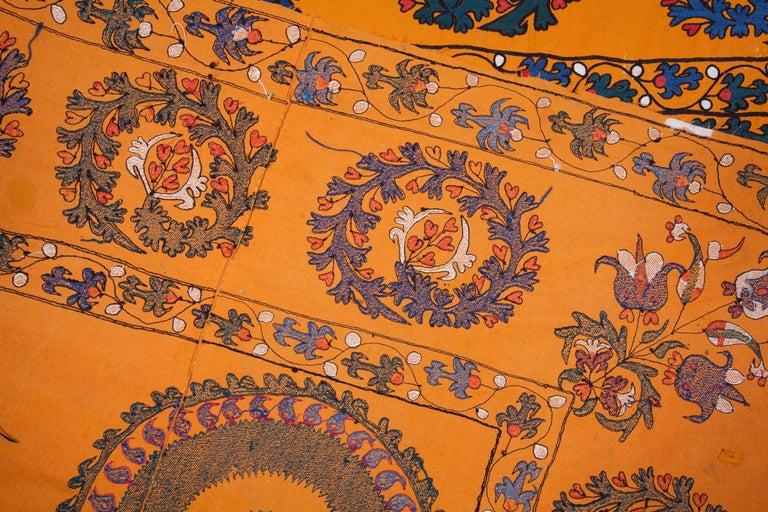 Late 19th Century Central Asian Suzani from Tashkent Uzbekistan For Sale 2