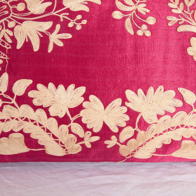 Antique Ottoman Turkish Embroidered silk pillow case In Good Condition For Sale In Istanbul, TR
