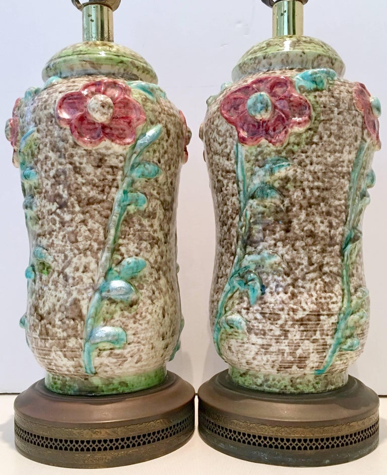 Hand-Painted Vintage Pair Of Mid-Century Organic Form Ceramic Pottery Lamps For Sale