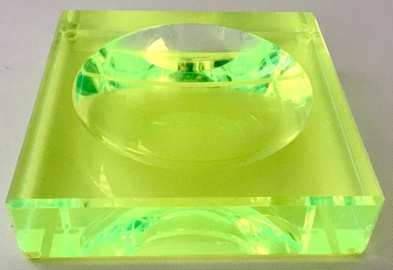 Contemporary Modern Lucite Optic Square & Round Green Bowl By, Alexendra Von Furstenberg For Sale
