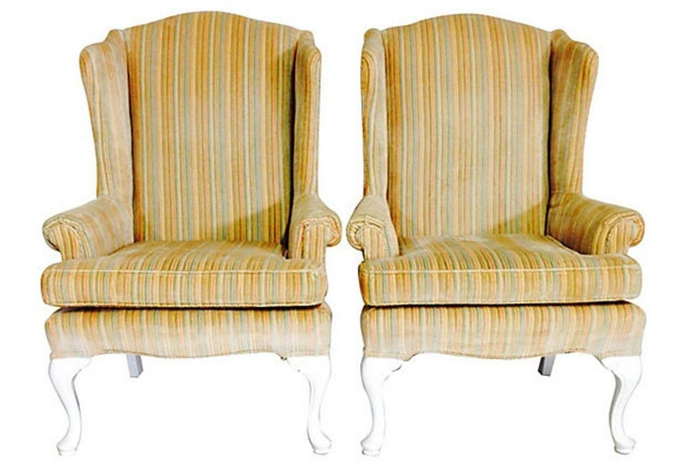 20th Century Pair Of American Queen Anne Style Wing Back Chairs For Sale 9