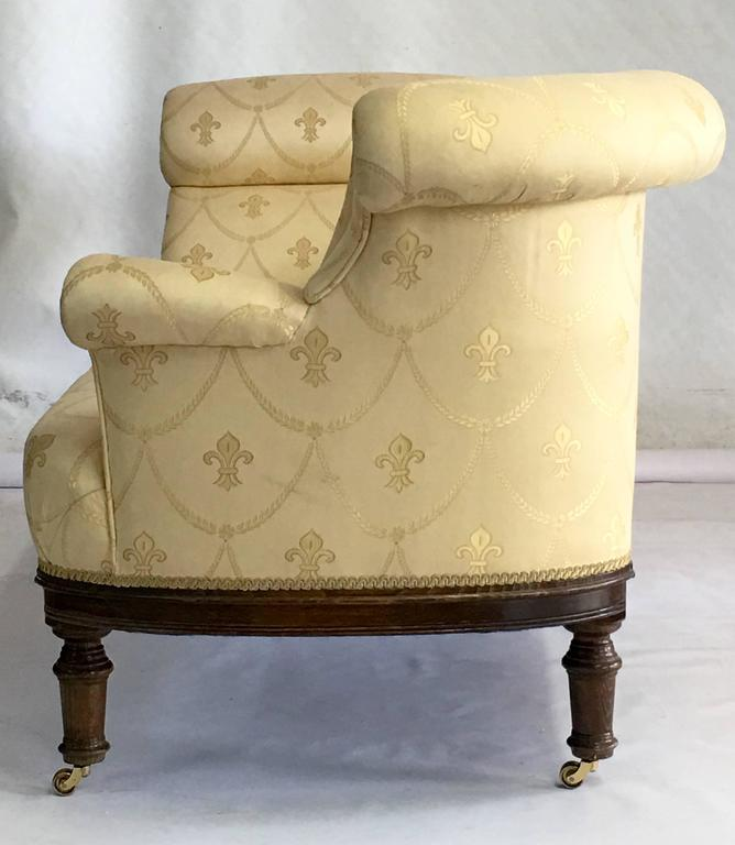 1940 S English Regency Upholstered Walnut Chaise Lounge At