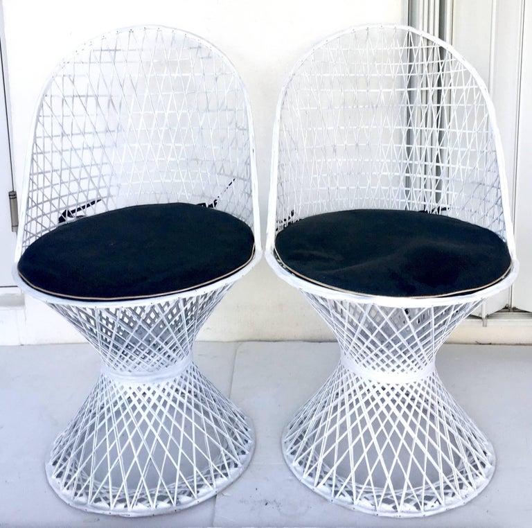 American Mid-Century Modern Pair of Spun Fiberglass Slipper Chairs by Russell Woodard For Sale