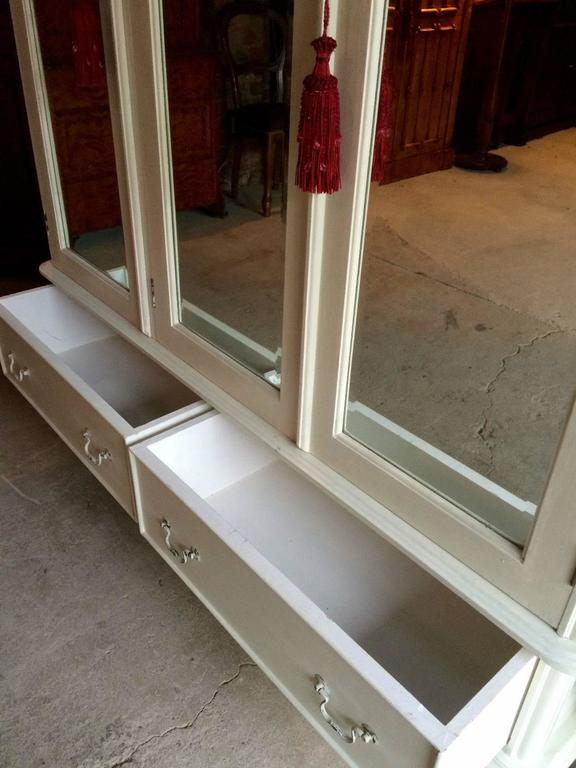 Cream Laura Ashley Antique Style Mirrored Wardrobe with Three Doors In Good  Condition For Sale In - Cream Laura Ashley Antique Style Mirrored Wardrobe With Three Doors