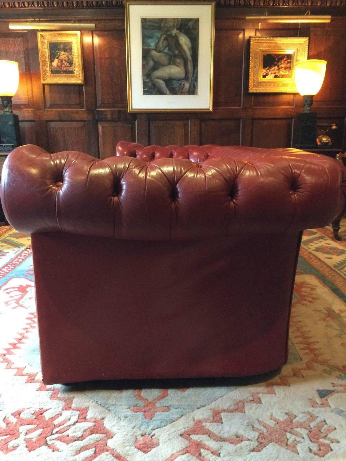 Antique style chesterfield sofa three seat settee red for Decor jewelry chesterfield
