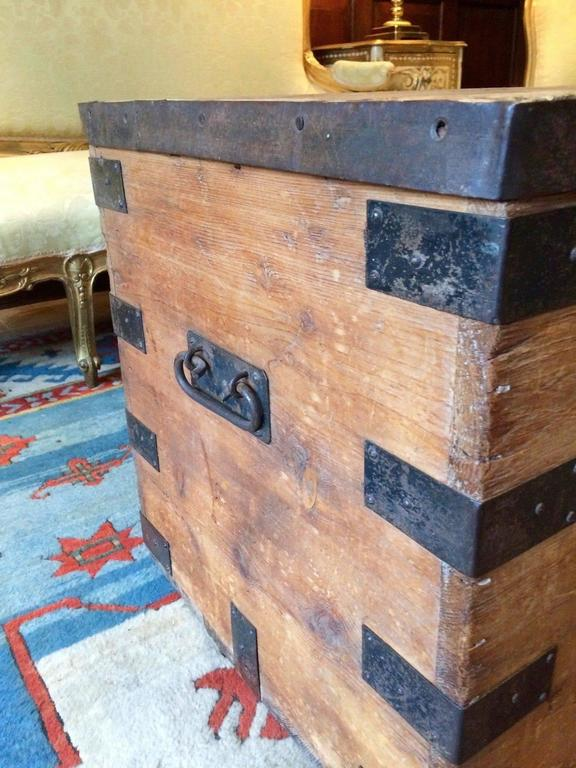 Vintage Pine Bound Box Trunk Chest Coffee Table At 1stdibs