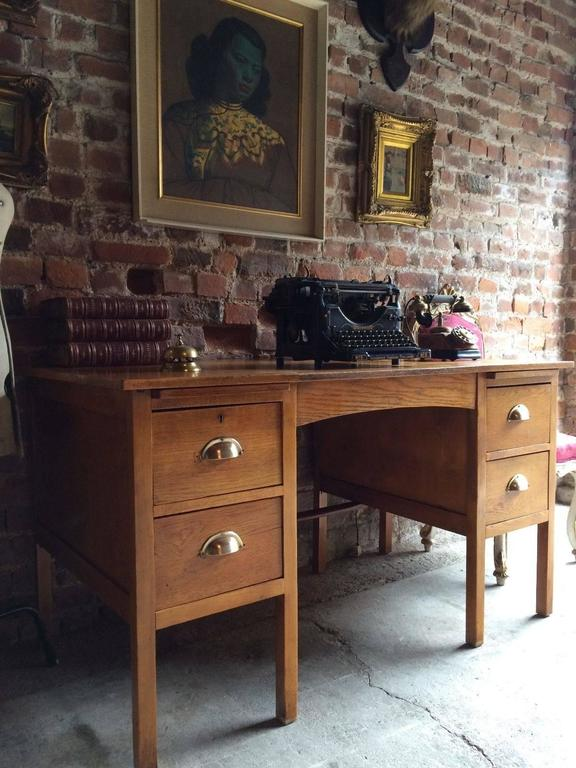 Charmant Mid Century Vintage Writing Desk Twin Pedestal Golden Oak, Early 1900s