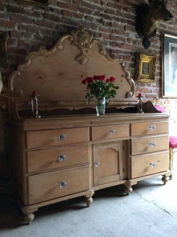 A Rather Beautiful And Unusual Mid 19th Century Solid Pine Lancashire  Dresser, Circa 1850