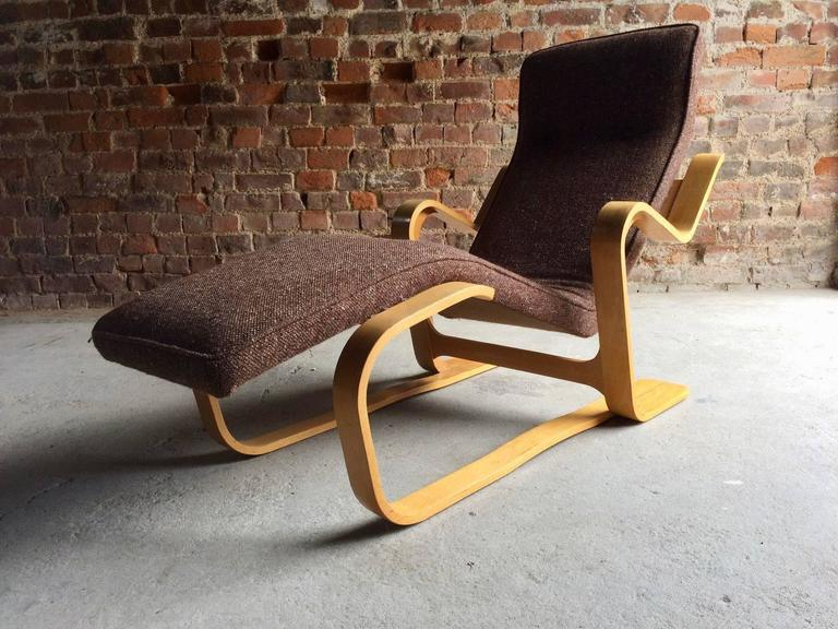 marcel breuer long chair chaise longue mid century 1970s bauhaus for sale at 1stdibs. Black Bedroom Furniture Sets. Home Design Ideas