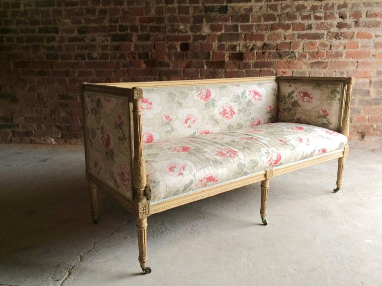 Antique 18th Century French Louis XV Salon Sofa Settee Painted Beech, circa 1770 In Excellent Condition For Sale In Longdon, Tewkesbury