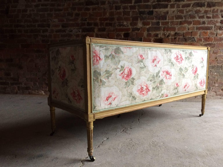 Antique 18th Century French Louis XV Salon Sofa Settee Painted Beech, circa 1770 For Sale 4