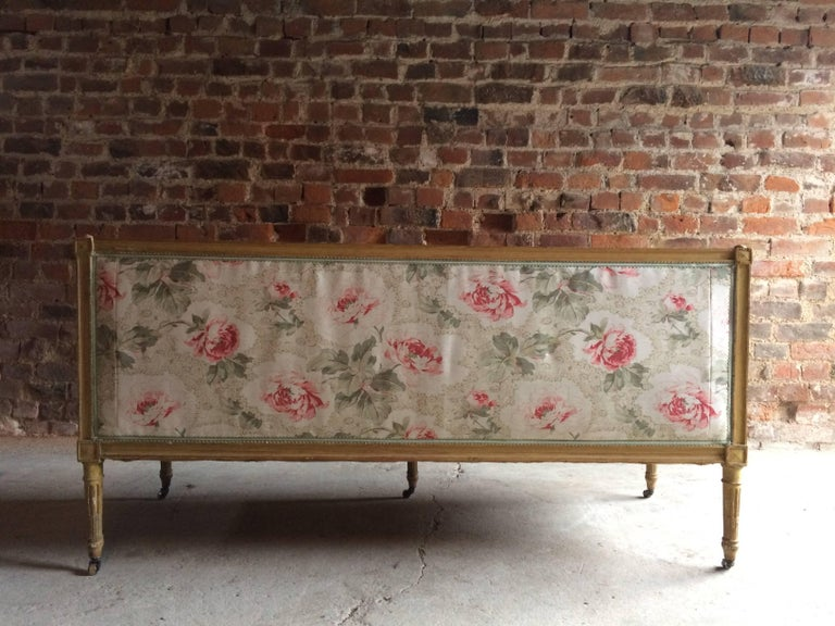 Antique 18th Century French Louis XV Salon Sofa Settee Painted Beech, circa 1770 For Sale 5