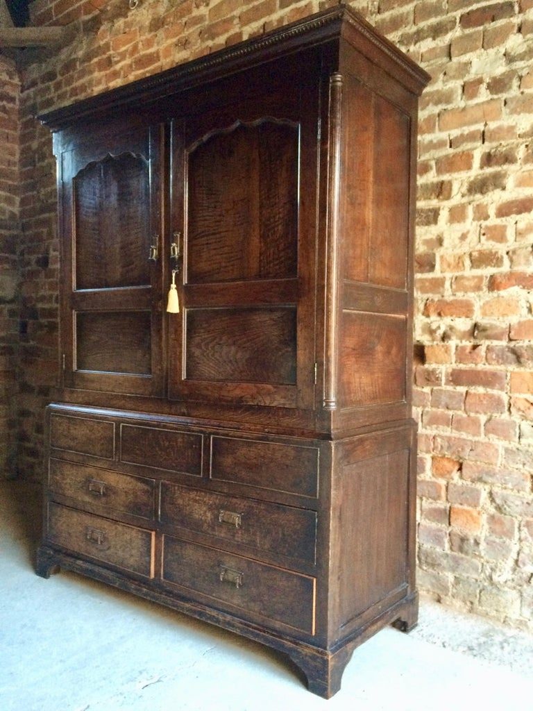 Antique hall cupboard solid oak Victorian, 19th century, circa 1890 A very  handsome 19th - Antique Hall Cupboard Solid Oak Victorian 19th Century, Circa 1890