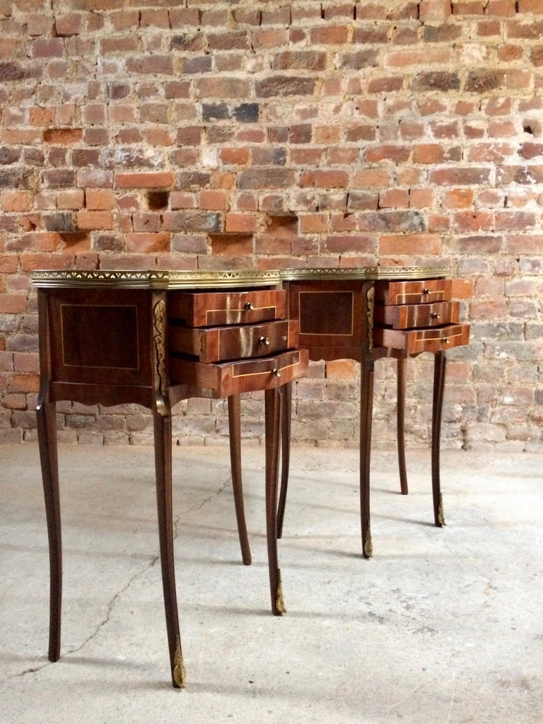 Mid-20th Century Fabulous French Bedside Tables Nightstands Rosewood and Walnut Louis XV, Pair For Sale