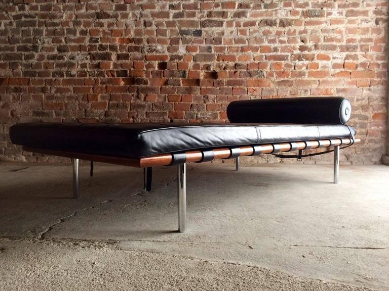 mies van der rohe design barcelona day bed black leather. Black Bedroom Furniture Sets. Home Design Ideas