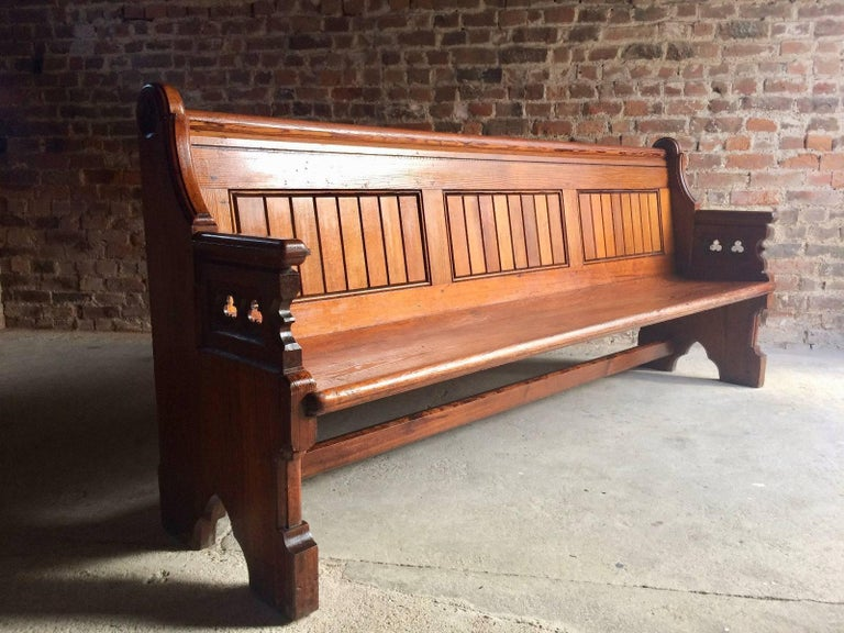 Antique Gothic Pitch Pine Church Pew 19th Century Gothic Revival, 1890 In Excellent Condition For Sale In Longdon, GB
