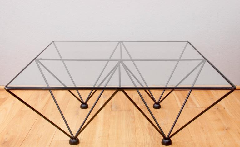 Mid-Century Modern Minimalist Geometric Paolo Piva 'Alanda' Style Glass Coffee Table, circa 1980s For Sale