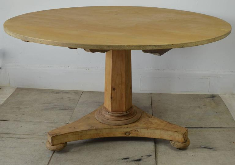 Early Victorian Large Antique Round Pine Dining Table, English, Circa 1850  For Sale