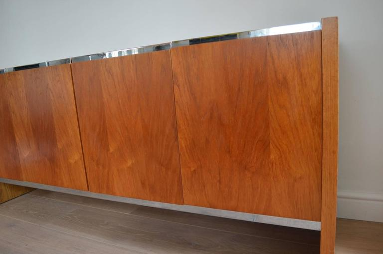 Richard Young for Merrow Associates Sideboard In Good Condition For Sale In London, Greater London