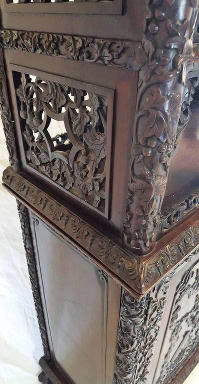 Rosewood 19th Century, Qing Dynasty Curio Cabinet For Sale