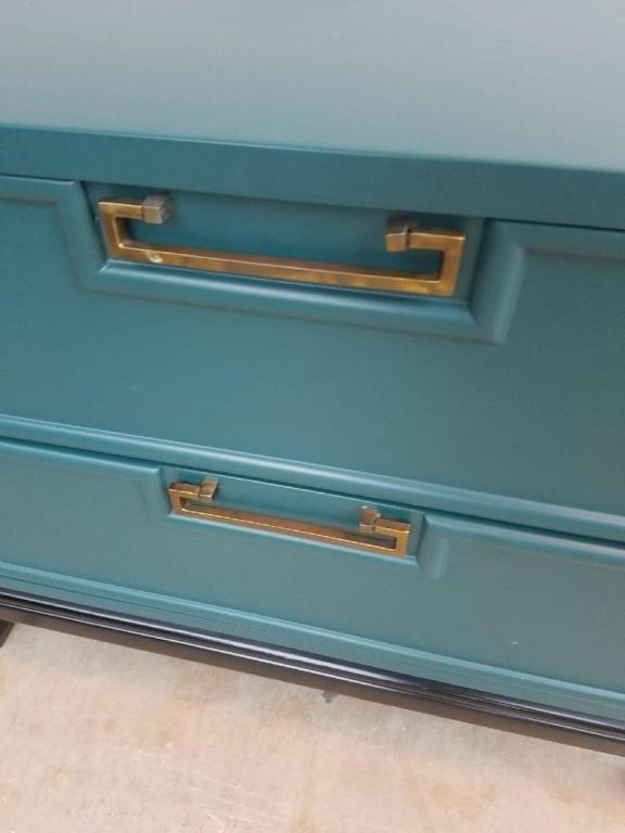 Lacquered Pair 1960s American of Martinsville Mid-Century Modern Nightstands For Sale