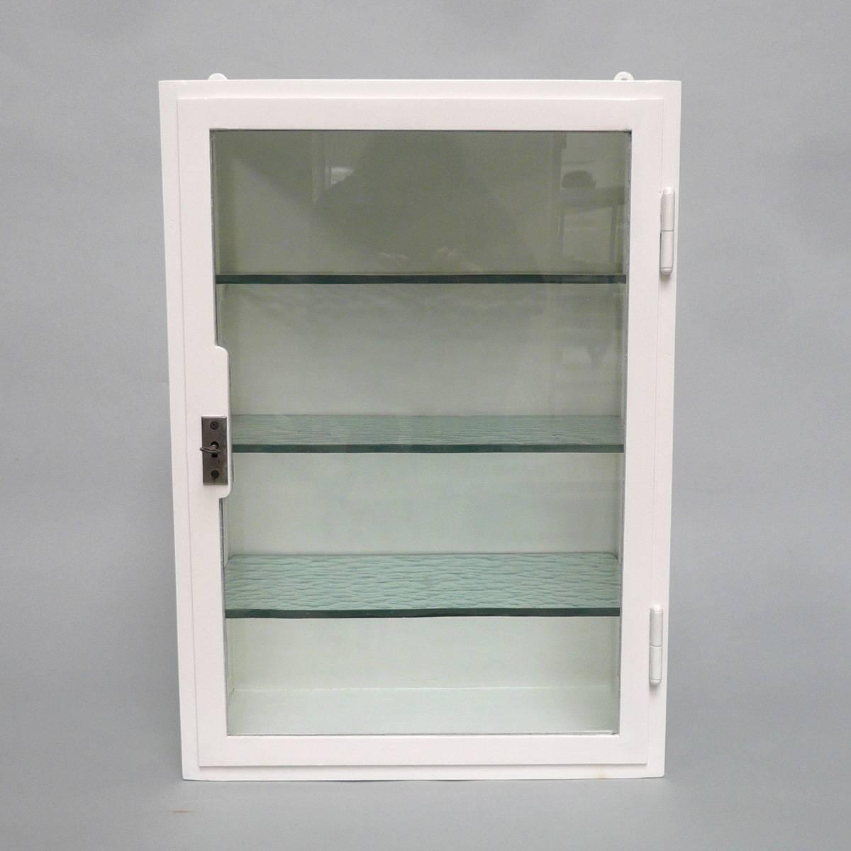 Vintage style medicine cabinets