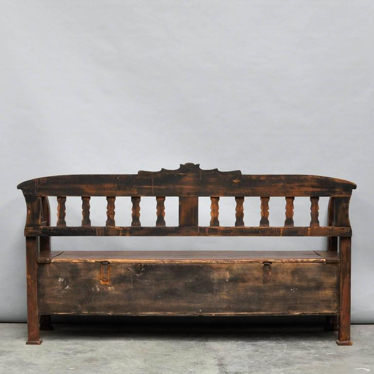 Antique Storage Bench with Original Paint, circa 1920 For Sale 2