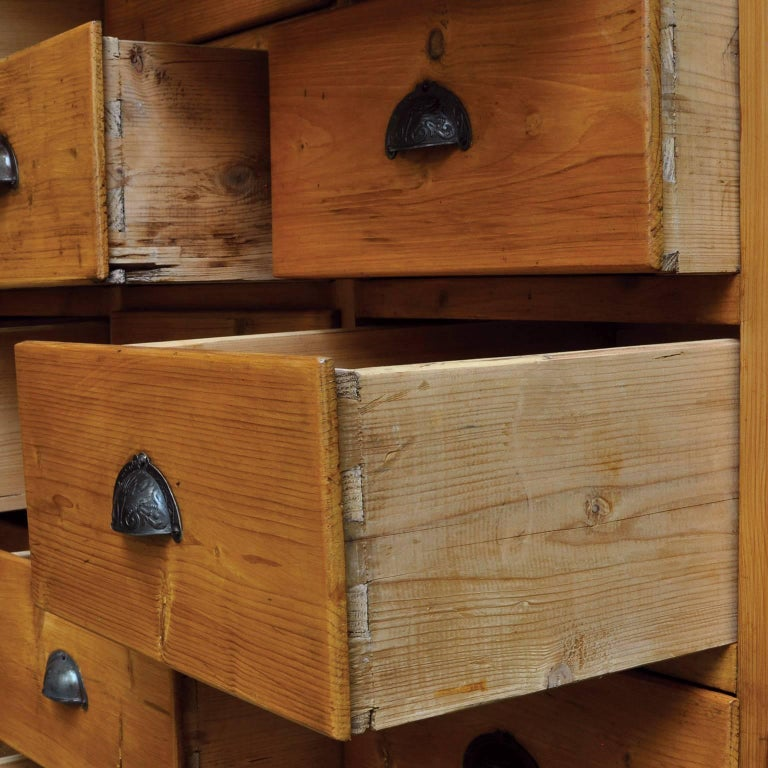Vintage Pine Chest of Drawers, 1940s In Good Condition For Sale In Amsterdam, Noord Holland
