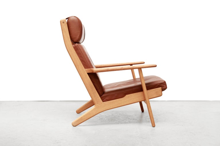 Scandinavian Modern Set of Two Hans J Wegner GE290 Leather Lounge Chairs for GETAMA, 1960s For Sale