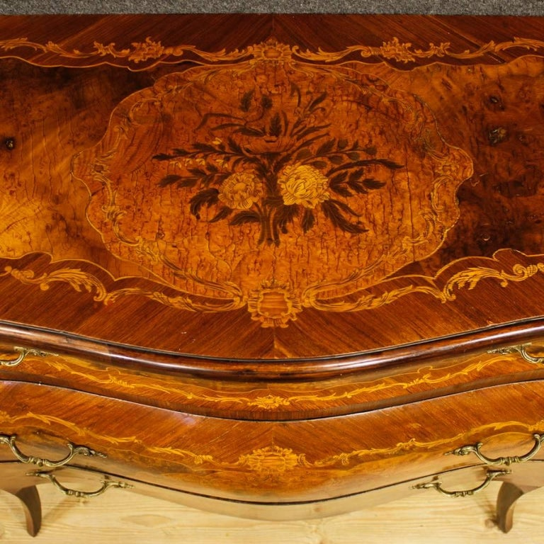Italian Inlaid Chest Of Drawers In Wood In Louis XV Style 20th Century 4