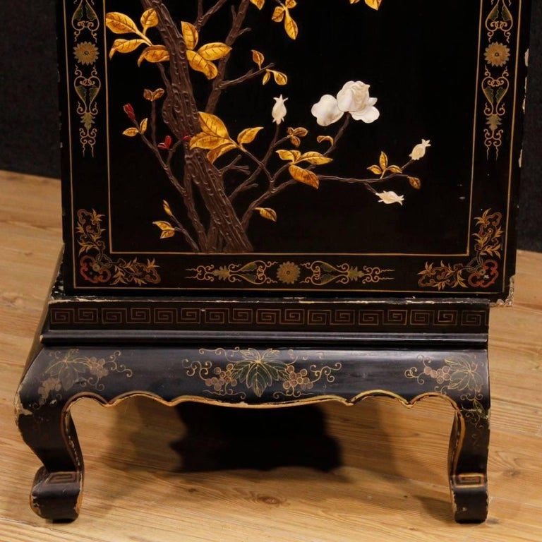 French Chinoiserie Sideboard in Lacquered and Painted Wood from 20th Century For Sale 6