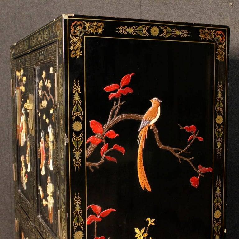 French Chinoiserie Sideboard in Lacquered and Painted Wood from 20th Century For Sale 2