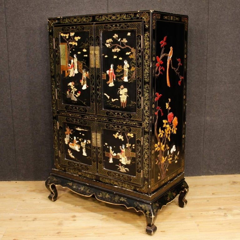 French Chinoiserie Sideboard in Lacquered and Painted Wood from 20th Century For Sale 1