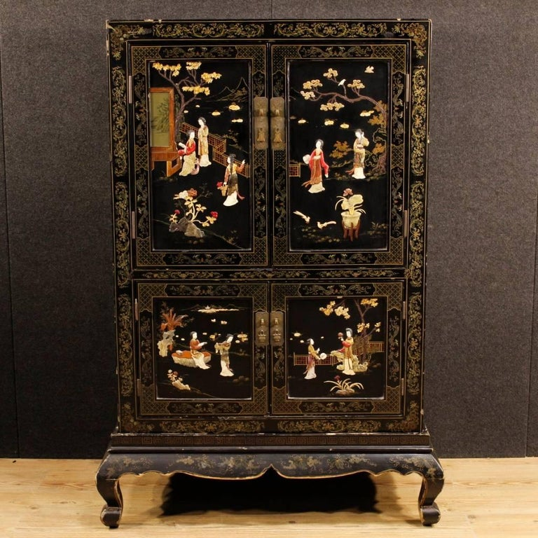 French Chinoiserie Sideboard in Lacquered and Painted Wood from 20th Century For Sale 3