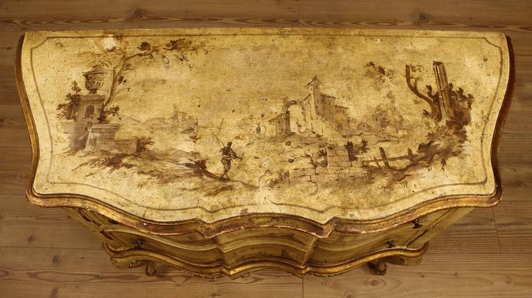 20th Century Venetian Lacquered, Painted and Gilded Dresser In Fair Condition In Vicoforte, Piedmont