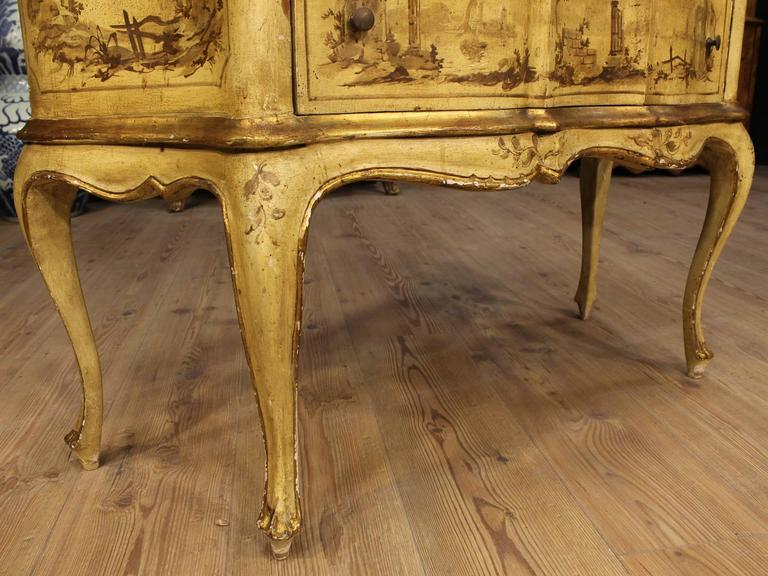 20th Century Venetian Lacquered, Painted and Gilded Dresser 3