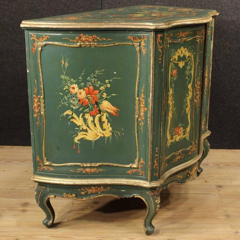 20th Century, Venetian Lacquered and Painted Sideboard In Fair Condition For Sale In Vicoforte, Piedmont